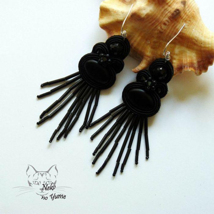 Zara - czarne kolczyki sutasz