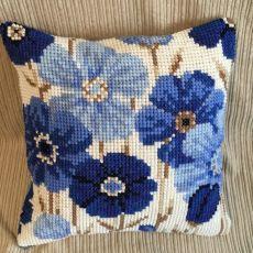 Poduszki niebieskie kwiaty