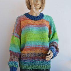 Tęczowy sweterek