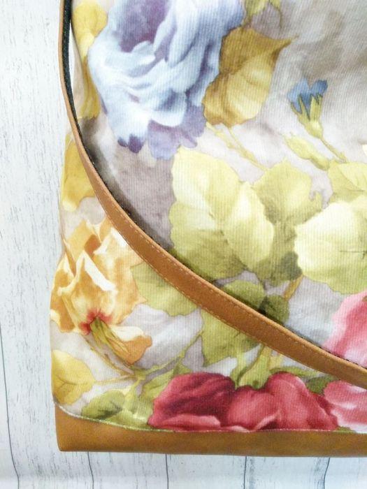 Torebka listonoszka w kwiaty