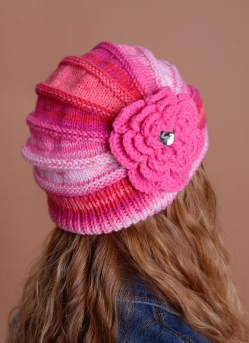 Kolorowa czapeczka czerwień i róż ;o)