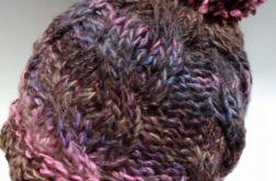 Damska czapka zimowa dziergana na drutach