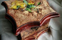 Pudełko z malowana imitacja marmuru