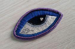 Broszka haft blue eye