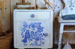 Biały nakastlik, szafka, ceramiczne gałki