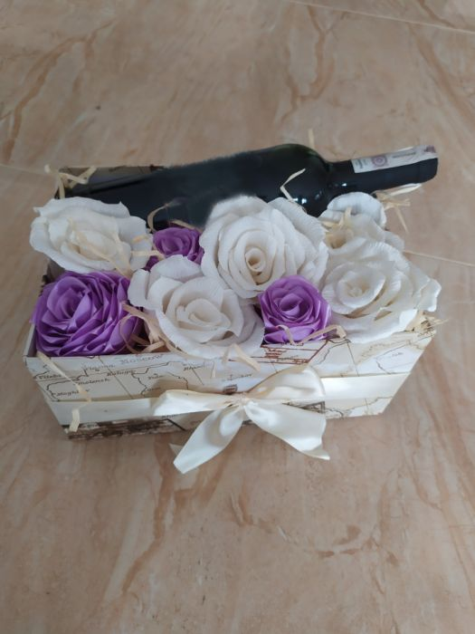 Box kwiatowy z miejscem na wino - 2