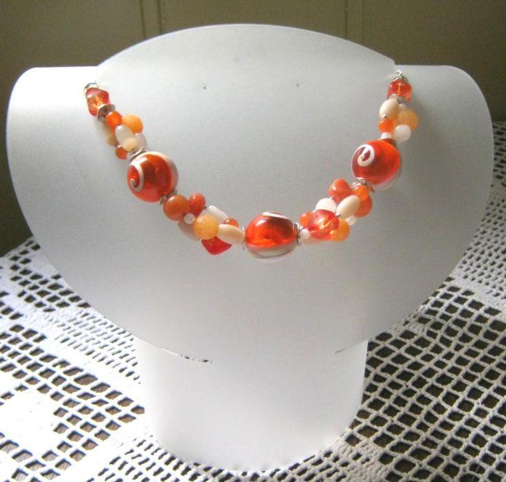 W pomarańczowych odcieniach