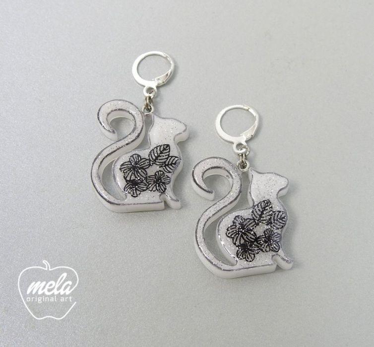 0486/mela- kolczyki z żywicy KOTKI koty