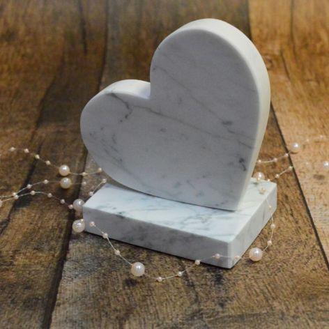 Serce z marmuru figurka Walentynki Carrara