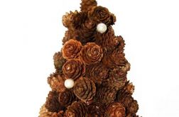 Stroik bożonarodzeniowy z perłowymi koralikami