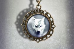 Medalion, naszyjnik - Biały wilk - zdobiony, stare złoto