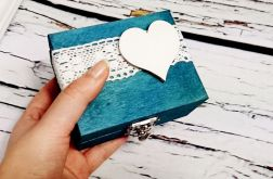 Niebieski pudełko na obrączki serce