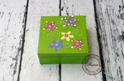 pudełko zielone kwiaty