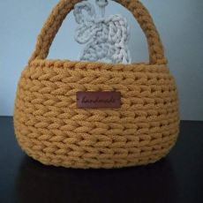 Koszyk wielkanocny ze sznurka musztardowy