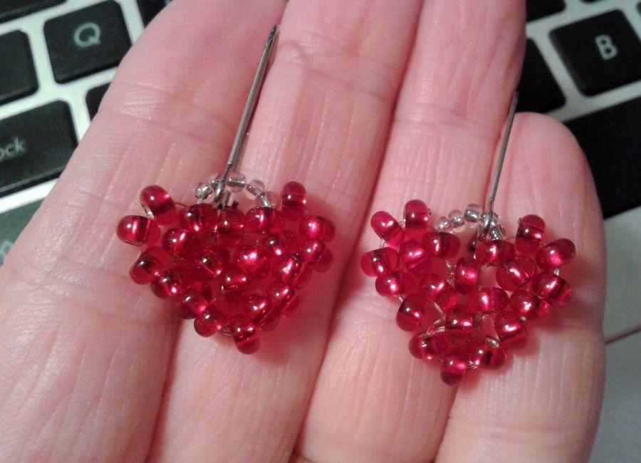 Kolczyki serca - kolczyki  z koralików serduszka