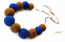 Korale z filcu brązowo niebieskie