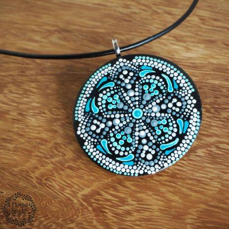 Mandala turkusowa z krzyżem
