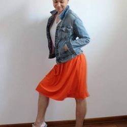Spódnica midi lejąca sie pomarańczowa