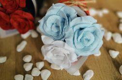 Bukiet róż z filcu - mięta + biel