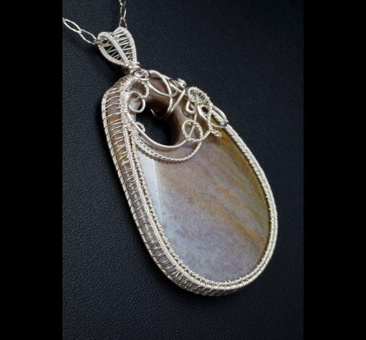 Agat, Srebrny wisior z plastrem Agatu indiana