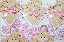 Różowe sukienki - ANIOŁY Z MASY SOLNEJ - Z DEDYKACJĄ
