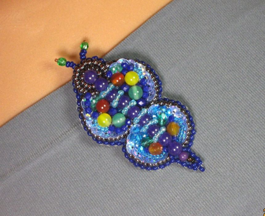 Motylek - haft koralikowy