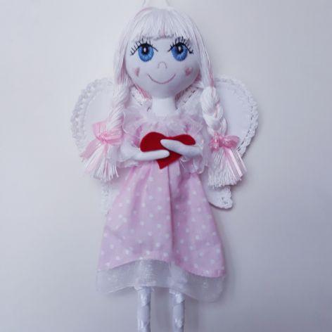 Anioł z sercem na dloni
