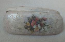Etui na okulary z kwiatami i  reliefem