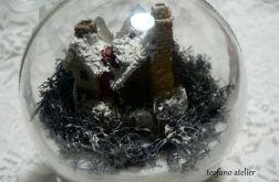 Bombka z domkiem 03