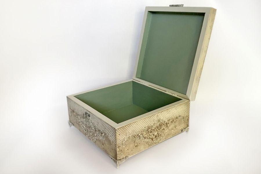 Szkatułka, pudełko vintage z aniołkiem -