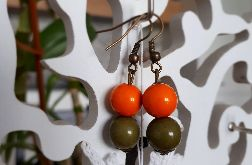 Kolczyki handmade z dwoma kuleczkami oliwka i pomarańcz
