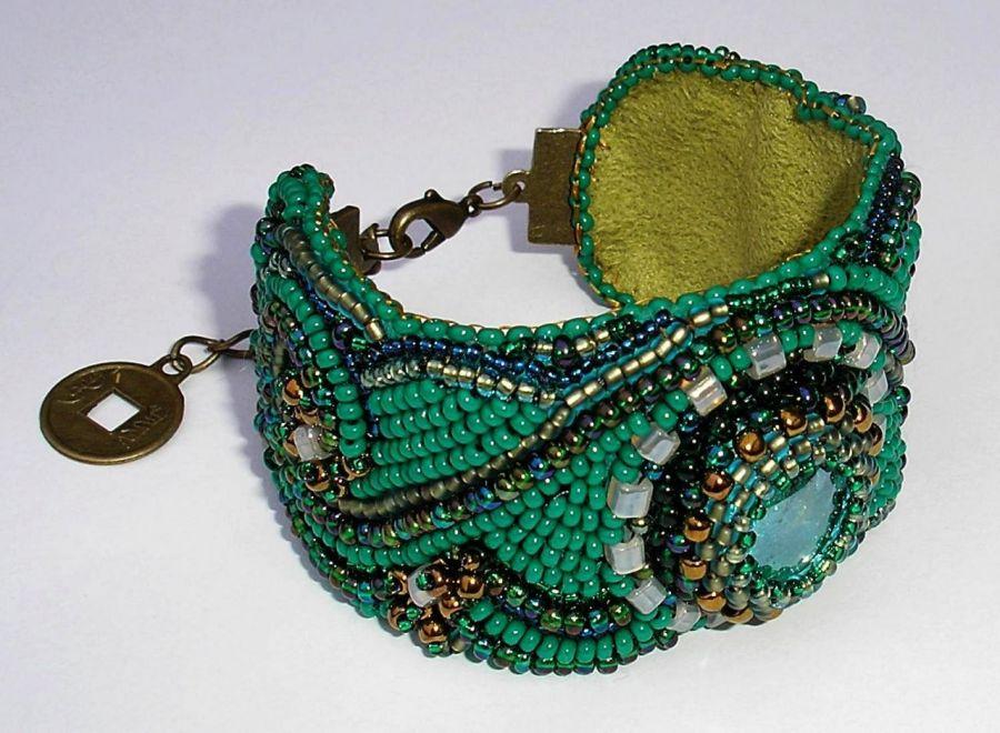 bransoleta beaded embroidery szmaragdowa zieleń