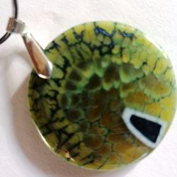 Zielony groszek, unikatowy kamień, wisiorek
