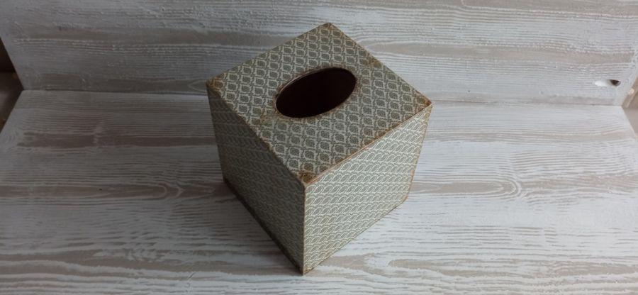 Klasyczny chustecznik - HANDMADE pudełko na chuzsteczki