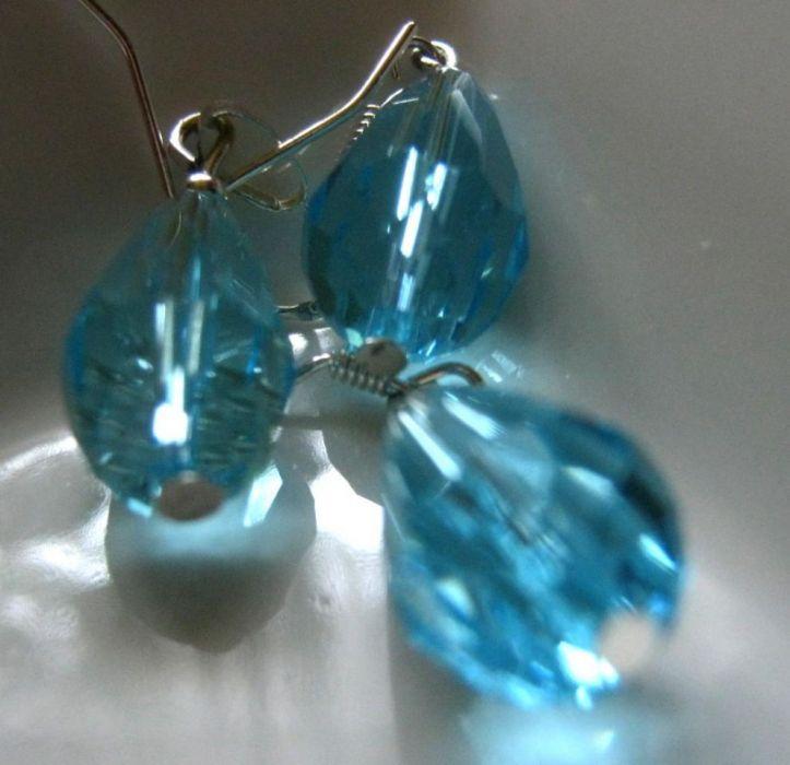 Niebieskie krople, szlifowane kryształki