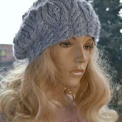 Szaro - niebieski beret z warkoczem
