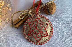 Dekoracja świąteczna z filcu z ozdobnym haftem - wzór 013