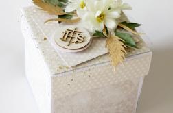 Piękna i elegancka Pamiątka Komunii (box)