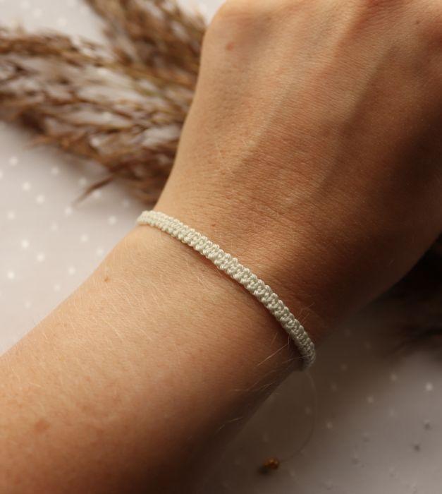 Pleciona, kremowa bransoletka na rękę - Sznurkowa bransoletka na rękę