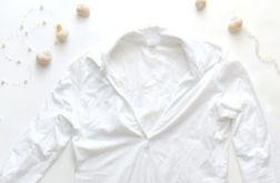 L-biały t-shirt z dekoltem