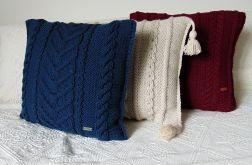 Granatowa poduszka w warkocze 45 x 45 cm