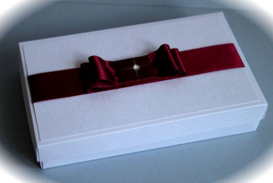 Urodzinowa kartka w pudełku (bordo)