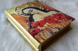 szkatułka-księga z aniołem miłości z makami
