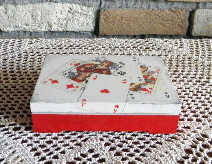 Pudełko na karty