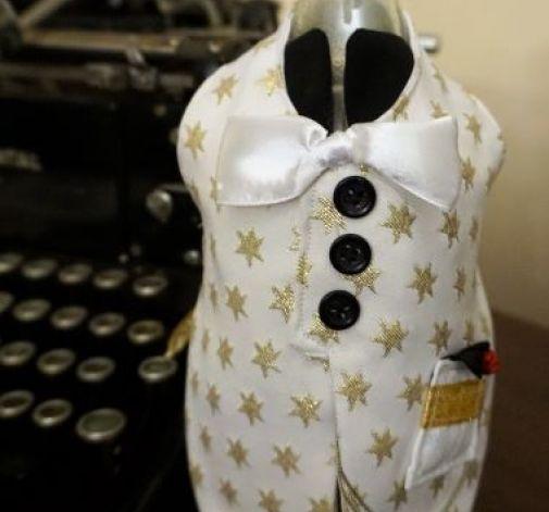 Garniturek na butelkę biały w złote gwiazdki