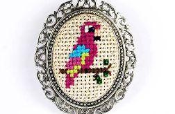 Kolorowa papuga naszyjnik