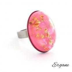 Pierścień z Różowym Oczkiem z Żywicy