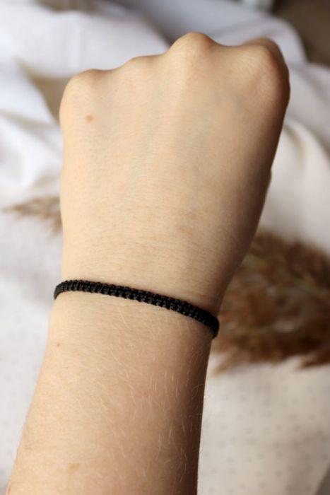 Czarna pleciona bransoletka na rękę - pleciony rzemyk na rękę