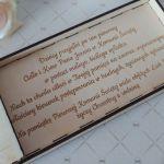 Pamiątka Pierwszej Komunii - drewniane pudełko na pieniądze z życzeniami - pudełko - środek