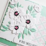 Kartka URODZINOWA miętowo-biała - Kartka na urodziny z białymi kwiatami